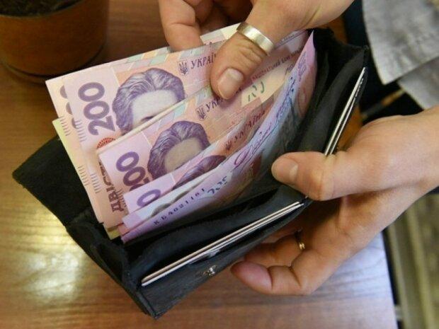 В Украине стремительно растут долги по зарплатам: кого оставили ни с чем