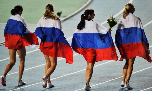 Российским спортсменам запретили выступать на международных соревнованиях