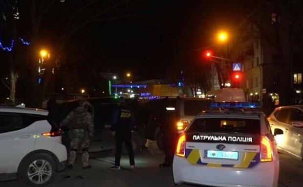 П'яна львів'янка жорстоко побила поліцейську - руки геть від коханого