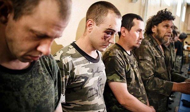"""Полонені розповіли про """"табори смерті"""" бойовиків"""