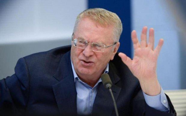 """Жириновский очистил русский язык своей """"стрижальней"""""""