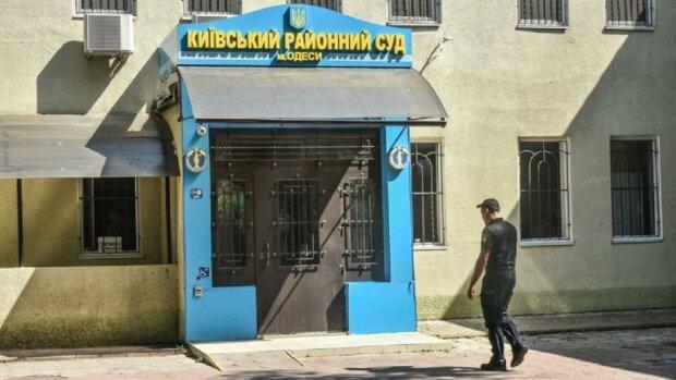Месть за борьбу с контрабандой в Одессе: следователя, разоблачившего канал, арестовали по сфальсифицированным обвинениям