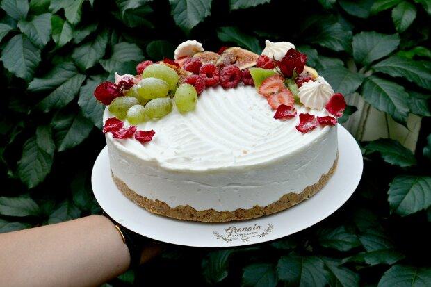 Чизкейк с фруктами, фото кондитерской Graniano