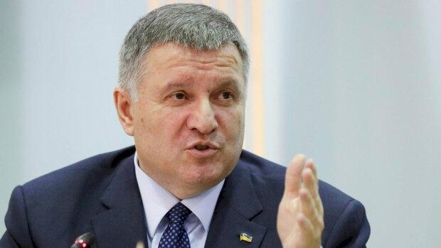 """Лесев объяснил, почему Аваков - это зрада: """"Зеленский про*рал возможность"""""""