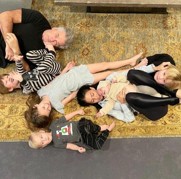 Алек Болдуін з сім'єю / фото: Instagram