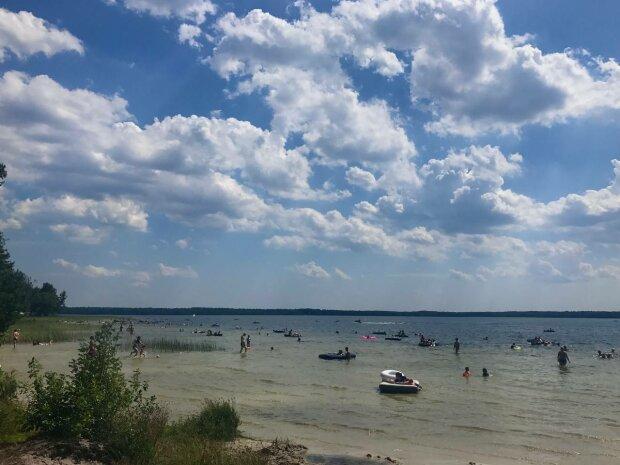Пляж, фото: Знай.ua