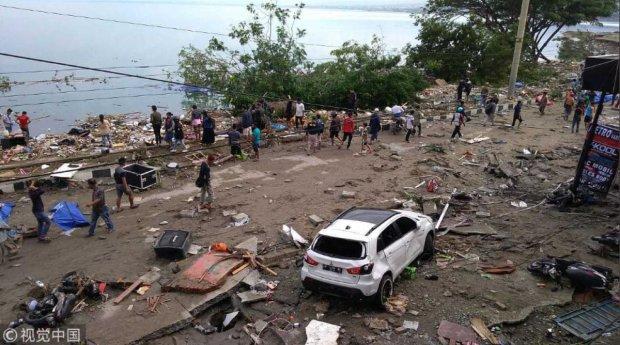 Цунамі в Індонезії: число жертв наблизилось до тисячі та продовжує рости