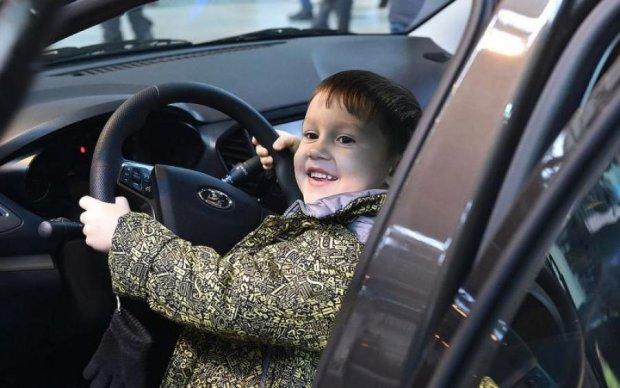 """Номінація """"Тато року"""": що робити, коли діти не влізли у машину"""