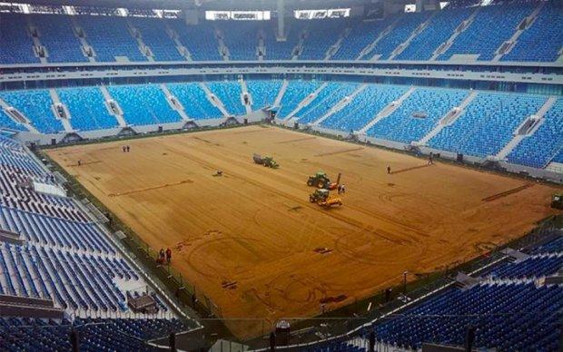 Соцсети в восторге: главный стадион России превратился в карьер