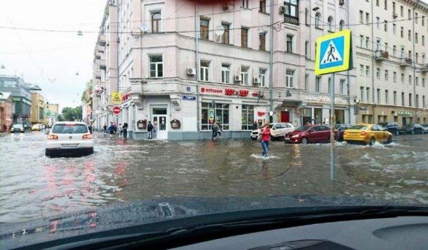 Москву затопив страшний дощ