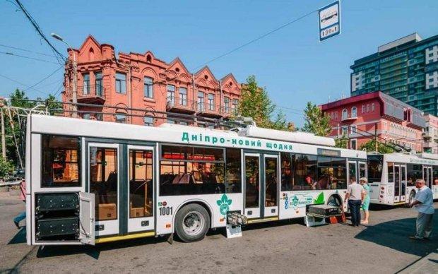 На вулиці українського міста виїхали унікальні тролейбуси