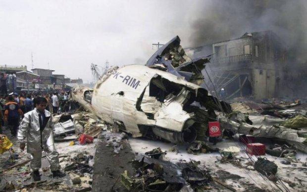 Любимцы судьбы: полторы сотни пассажиров чудом выжили в страшной катастрофе