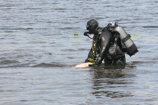 В Киеве из Днепра выловили изуродованное тело: три дня под водой, узнать невозможно