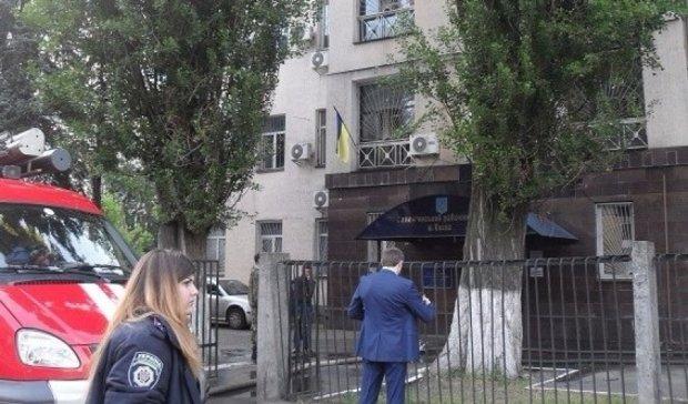 """П'яні бійці полку """"Київ"""" обікрали суддю"""