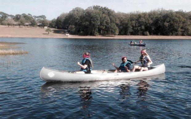Трагедія на воді: човен з дітьми пішов на дно, є загиблі