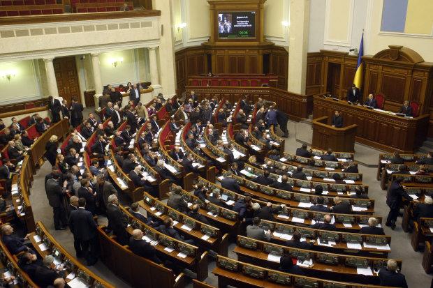 """Депутати знову витягнуть """"мовні закони"""" напередодні виборів"""
