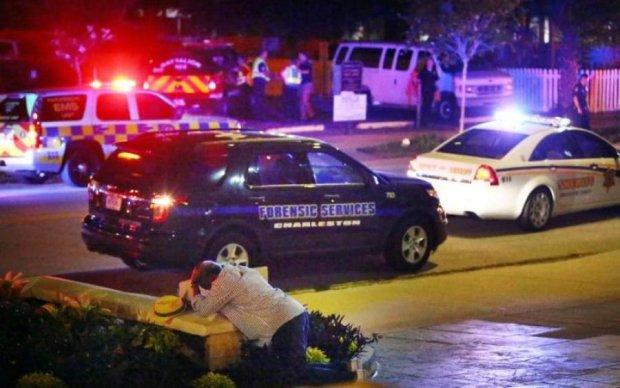 Неизвестный устроил бойню в школе, минимум 20 пострадавших