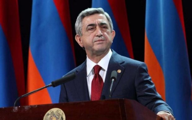 Вірменський Янукович подав у відставку