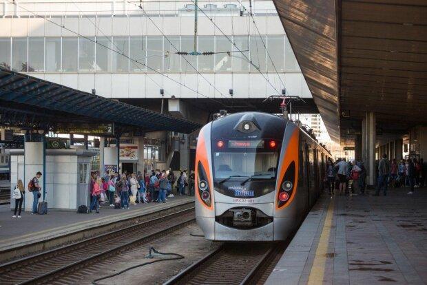 """""""Укрзализныця"""" запускает новый поезд в Европу: появилось расписание"""