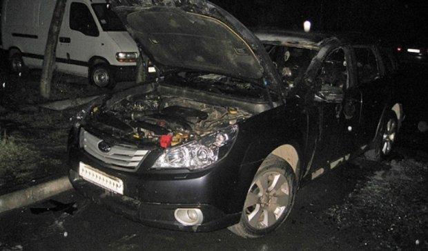Взорвали авто жены депутата (фото)