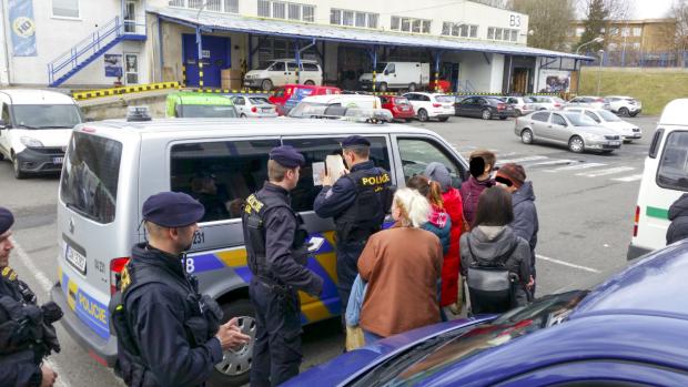 Крим, син та викрадення: через прем'єра розгорівся дикий скандал, вже виганяють