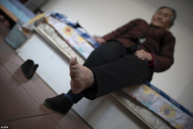 Золотые лотосы: история искалеченной китайской долгожительницы