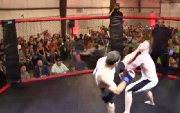 Боєць MMA відправив супротивника в нокаут за чотири секунди