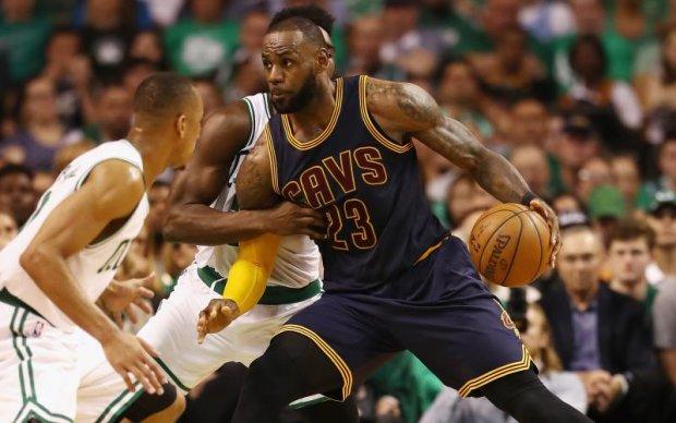 НБА: Клівленд втримав перемогу над Бостоном в першому матчі серії