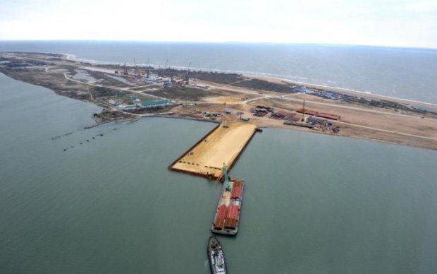 """Кримські маріонетки Кремля похвалилися """"інвестиціями"""" з Китаю"""
