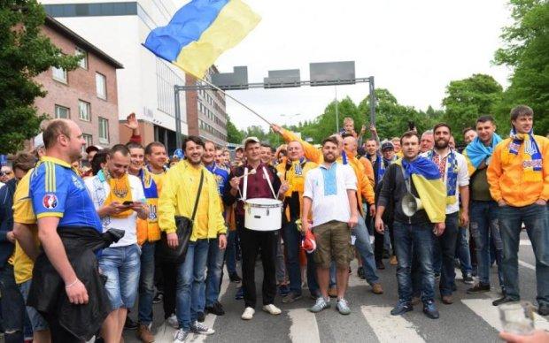 Притула поздравил украинцев, показав уникальный флаг