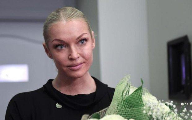 Немита Волочкова намагалася спокусити суддю голим вбранням: фото