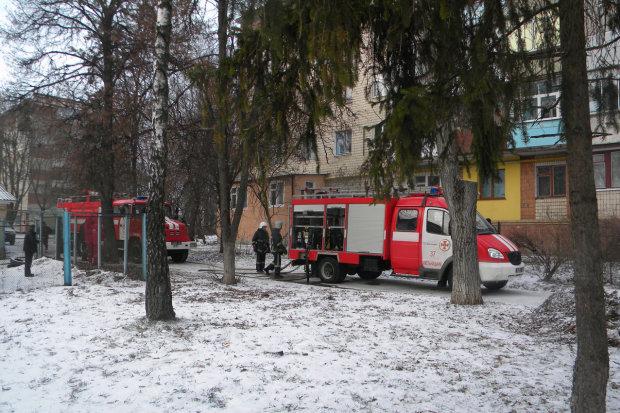 Спасатели чудом вырвали пенсионера из огненной ловушки: дом превратился в пепел
