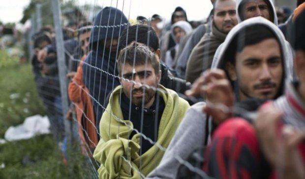 Єврокомісар закликає Німеччину скоротити допомогу для біженців