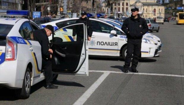 У Львові серед білого дня зі стріляниною викрали людину, - кадри НП в стилі 90-х