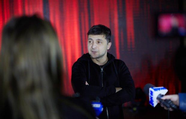 У Зеленського розповіли про знущання на виборах: намагалися підпалити і викинути