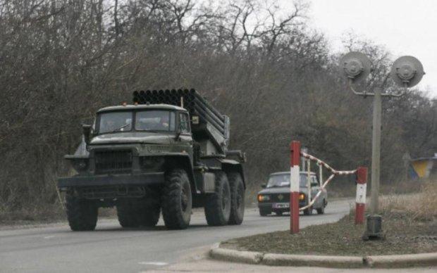 Безпілотник знайшов важке озброєння бойовиків: фото