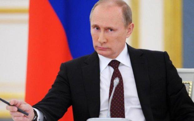 Каблуки не спасли: фото с Путиным рассмешило сеть до слез
