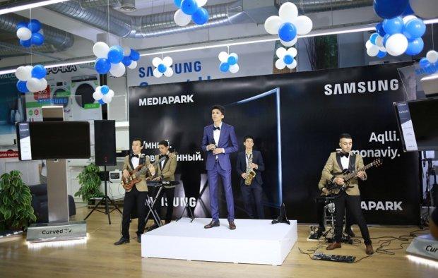 Samsung представила нереальный 7-метровый телевизор: теперь увидишь все