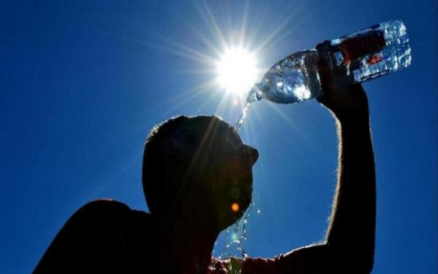 Лікарі розповіли, як пережити літню спеку: 5 простих порад