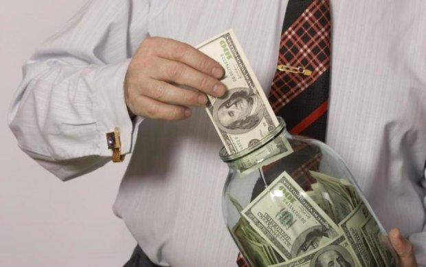 Пока вы ждете повышения минималки, в Киеве обитает более сотни миллионеров