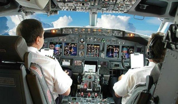 Латентные россияне: в Шотландии арестовали пьяных пилотов