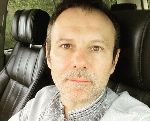 """Розсекречено нову кохану Святослава Вакарчука: народила сина """"під боком"""" у дружини"""