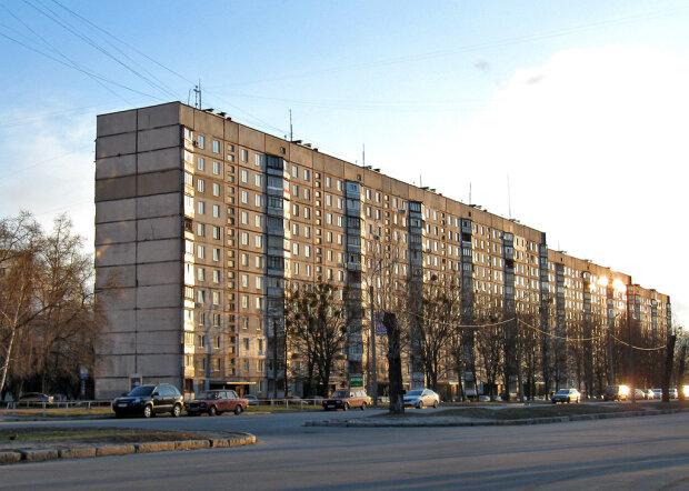 Харківські водії зіштовхнулися з важкою проблемою, допомогти нікому: не встиг озирнутися - і ти без коліс