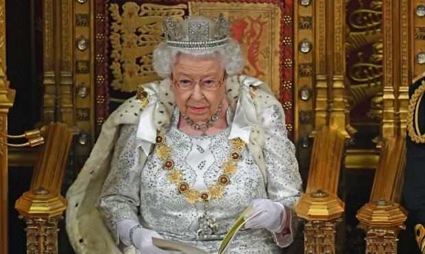 Королева Елизавета II может отречься от престола: кто будет управлять Великобританией