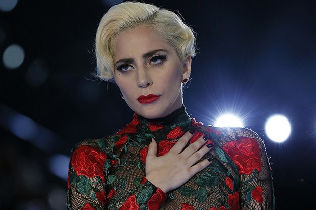 Лучшие мемы на 13 января: растерянная Леди Гага и девяток яиц
