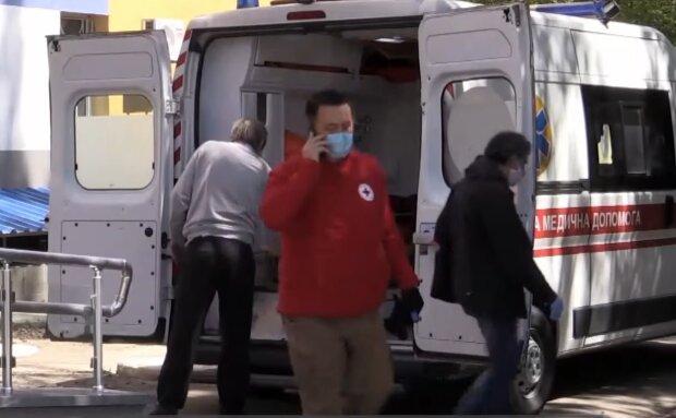 Карета скорой помощи, кадр из видео