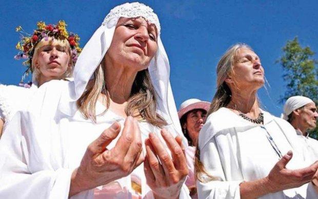 Сатаністи або чергові свідки Єгови: в Україні з'явилася небезпечна секта