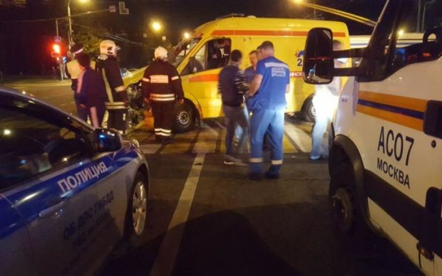 Очевидець зняв, як маньяк порізав поліцейського в центрі Москви