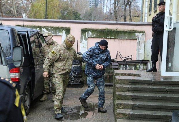 Агрессия в Азовском море: стало известно о состоянии похищенных украинских моряков