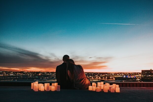 Эротический гороскоп на 13 января для каждого знака Зодиака: романтические игрища Раков и необычная эмоциональность Дев